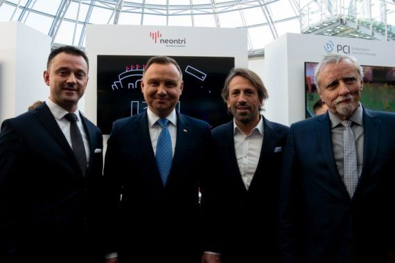 Neontri on Kongres 590 together with the President of Poland